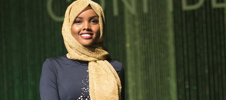 Halima Aden, modelo que rompe paradigmas