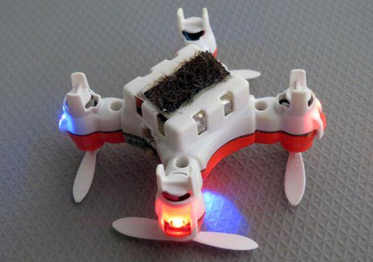 Japoneses desarrollan drones capaces de polinizar flores