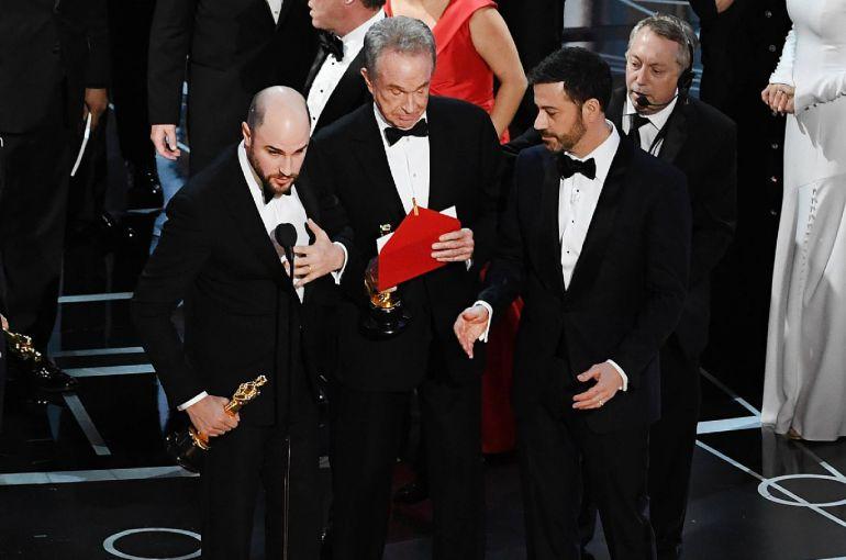 'Rusia acaba de hackear los Oscar': finales alternativos al error histórico de la gala
