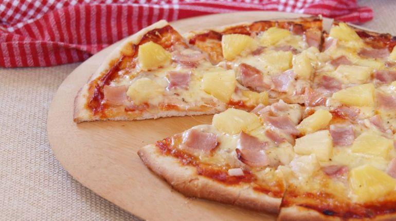 """""""Nunca la comería"""": preguntamos a cocineros italianos qué opinan de la pizza con piña"""