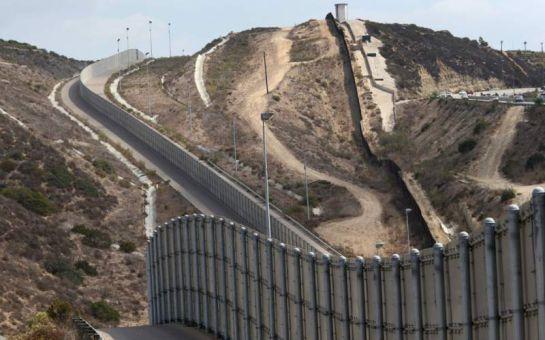 Cementera mexicana dispuesta a surtir cemento para muro fronterizo