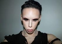 """Conoce al humano cuyo sueño es ser un """"marciano asexual"""""""