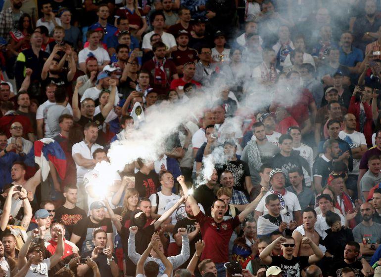 Diputado ruso propone convertir en deporte las peleas de hooligans