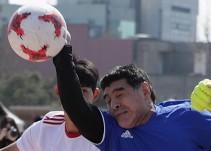 """Maradona recrea la """"Mano de Dios"""""""