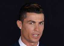 El escultor del busto de Cristiano Ronaldo sale en defensa de su creación
