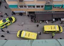 Camioneta embiste a multitud en Suecia