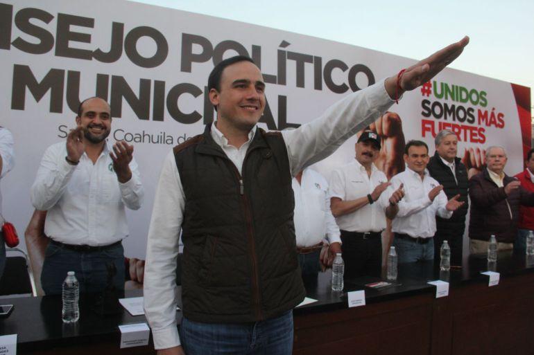 """Candidato del PRI nombra a un miembro de su equipo """"coordinador de calcomanías"""""""