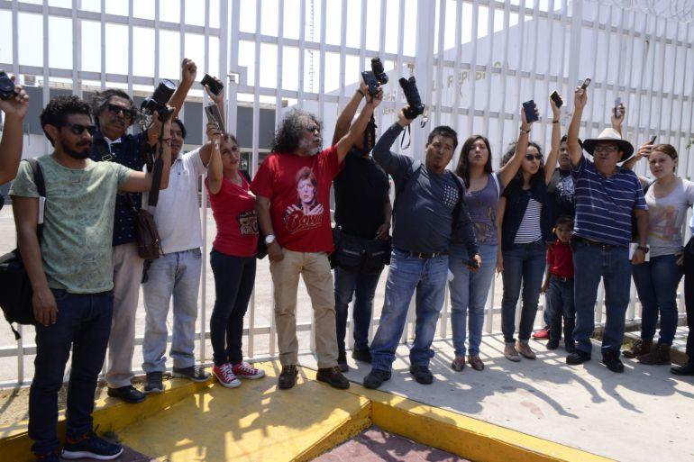 Agreden a corresponsal de W Radio y a otros seis periodistas en Guerrero