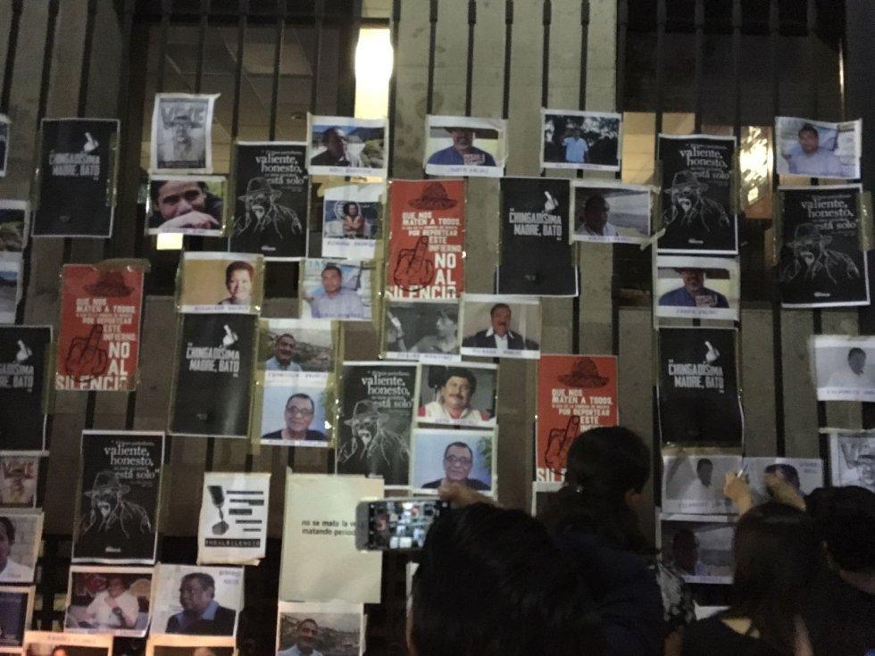 Periodistas protestan frente a Segob #NiUnoMás
