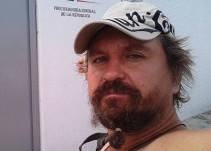 """Ciudadanos linchan a """"Lord Nazi Ruso"""" en Cancún"""