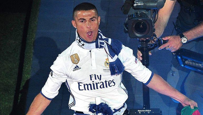 El prendido baile de Cristiano Ronaldo en su jet