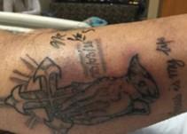 Hombre recién tatuado muere después de nadar en el Golfo de México