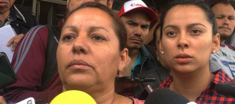 Hospitalizan a esposa del periodista desaparecido Salvador Adame