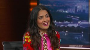 Salma Hayek en entrevista en The Daily Show with Trevor Noah