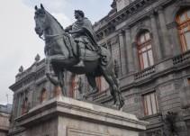 """Entregan restaurada escultura de """"El Caballito"""" en el Centro Histórico"""