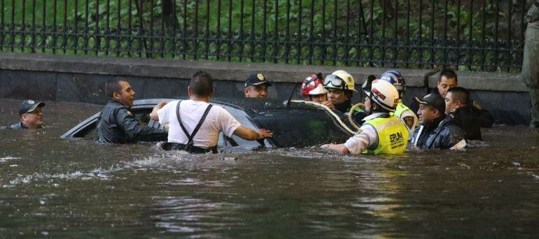 Piden en la ALDF tomar acciones por lluvias en la capital