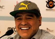 El shot de Maradona en un avión privado