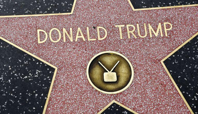 Limpió la estrella de Hollywood de Trump y así reaccionaron en redes sociales