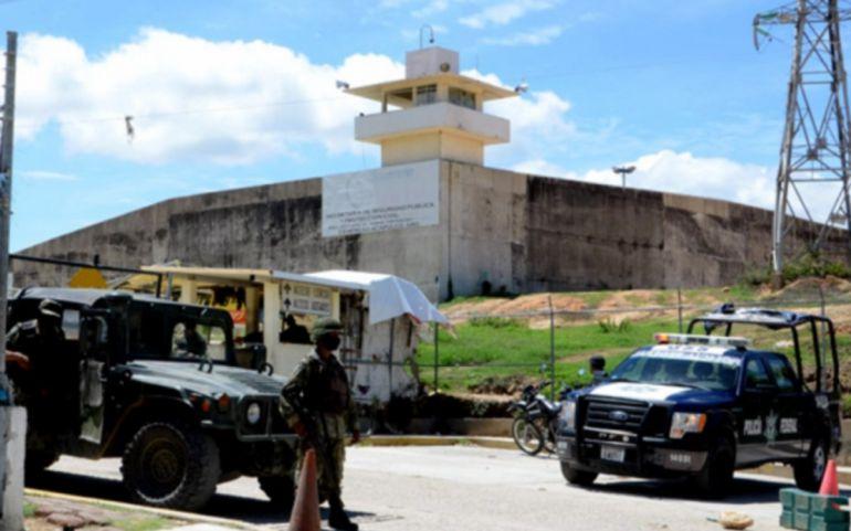 Al menos 6 reos decapitados tras motín en penal de Acapulco — México