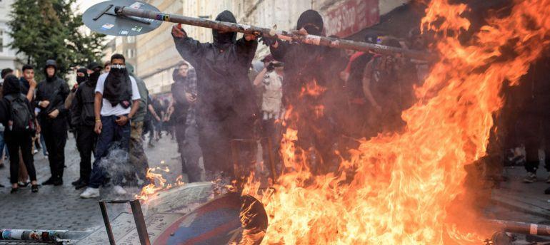 Disturbios por Cumbre G20 en Hamburgo, dejan 159 policías heridos y 70 detenidos