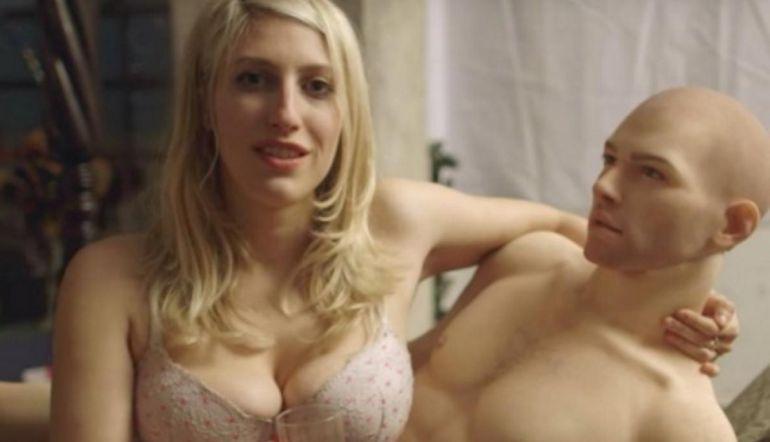 [Video] Conoce a Gabriel, el primer muñeco sexual para mujeres