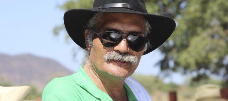 Mireles pide a autodefensas defender Tepalcatepec ante presencia militar