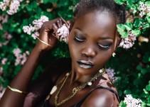 """Conoce a esta modelo llamada """"La Reina de la Oscuridad"""""""