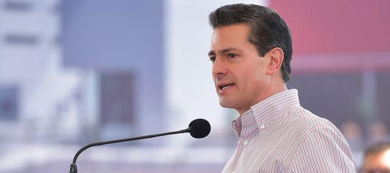 EPN lamenta el fallecimiento de las víctimas del socavón del Paso Express en Cuernavaca