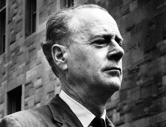 Marshall McLuhan protagoniza hoy el doodle de Google
