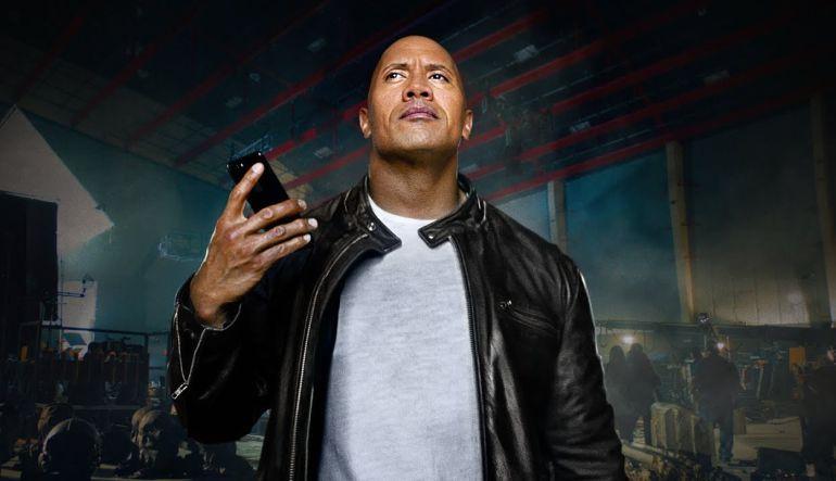 Dwayne 'La Roca' Johnson y Siri protagonizan nuevo comercial de Apple