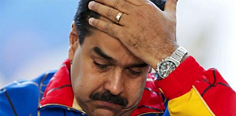 El ridículo que hace Maduro tras no aparecer su registro en el Carnet