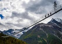 Se inaugura en Suiza el puente peatonal más largo del mundo