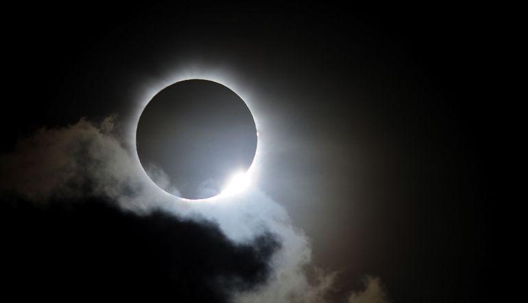 """""""El eclipse del siglo"""" te hará bajar de peso"""
