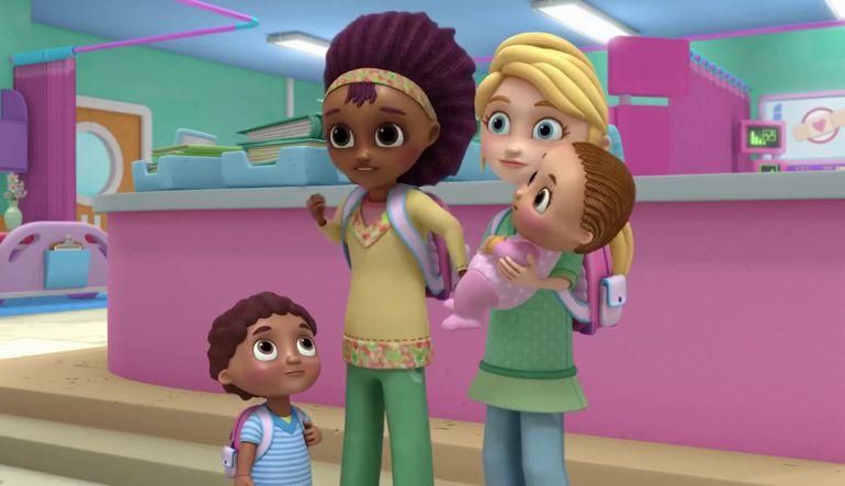 Disney, Pareja, Lesbiana, Series, Canales.: Disney presenta la primera pareja de madres lesbianas en una de sus series