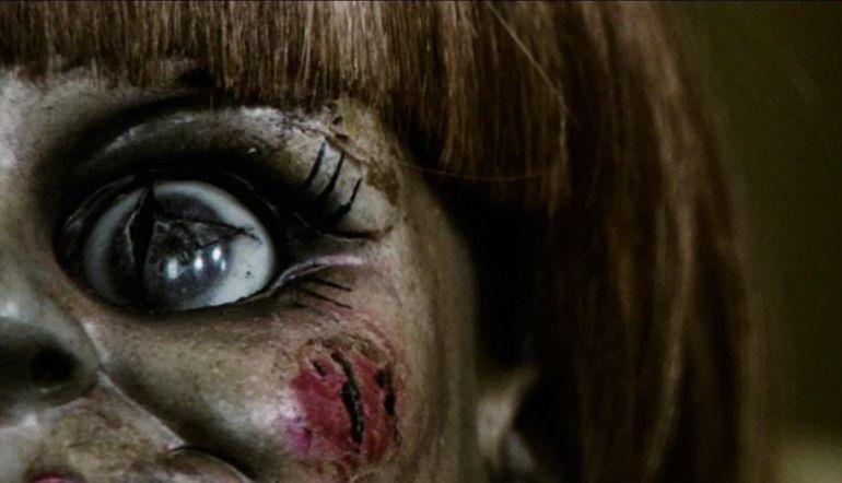 """¿Poseída?: Esta fue la reacción de una mujer después de ver """"Annabelle 2"""""""