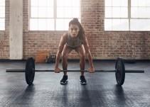 7 cosas que les van a pasar a las mujeres que hacen pesas