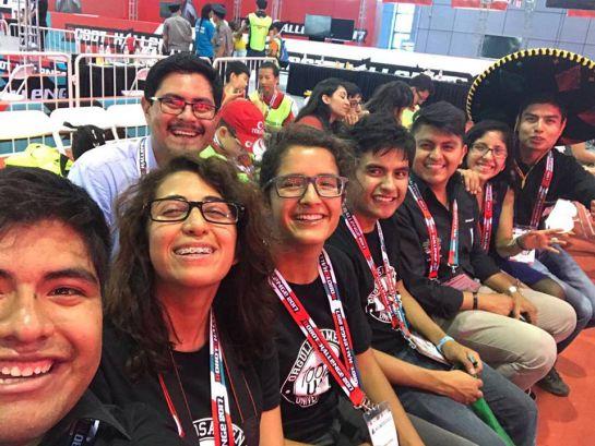 Estudiantes mexicanos ganan concurso de robótica en China