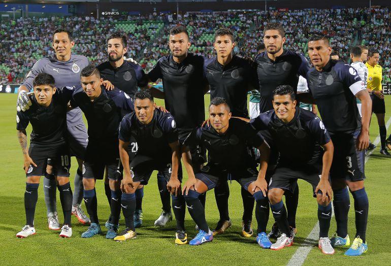 Chivas, Guadalajara, uniformes, playeras: Confunden al Guadalajara de España con las Chivas