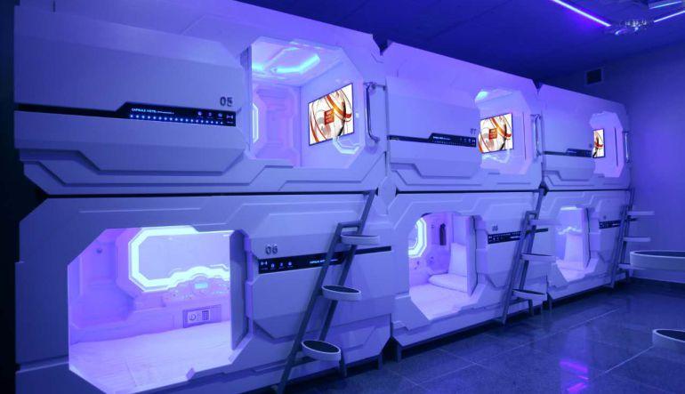 cápsulas dormir, aeropuerto, Ciudad de México: Pasajeros esperarán sus vuelos dentro de cápsulas en el AICM