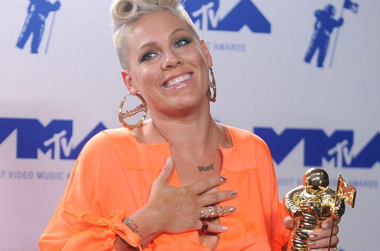 Pink aprovechó los VMAs para enviar un mensaje a su hija Willow y al resto del mundo que estaban viéndola