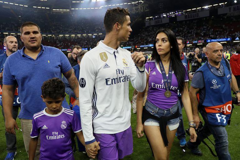 Cristiano Ronaldo, Real Madrid, Georgina Rodríguez: CR7 publica primera foto con Georgina Rodríguez y sus tres hijos