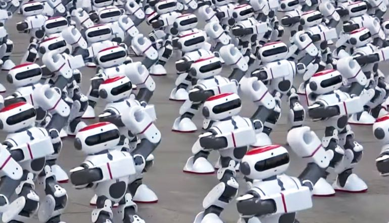 Robots, China: 1069 robots bailarines rompen Récord Guinness en China