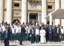 El Papa Francisco recibe en El Vaticano a los jugadores del Chapecoense