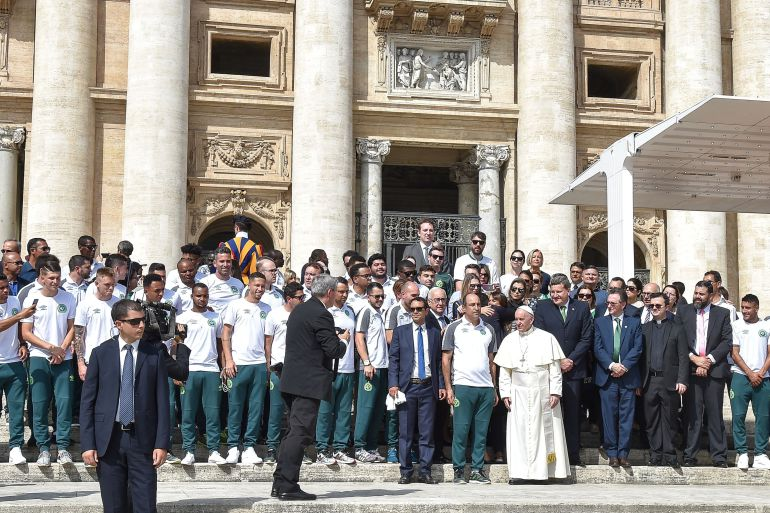 Papa Francisco, Chapecoense, El Vaticano: El Papa Francisco recibe en El Vaticano a los jugadores del Chapecoense