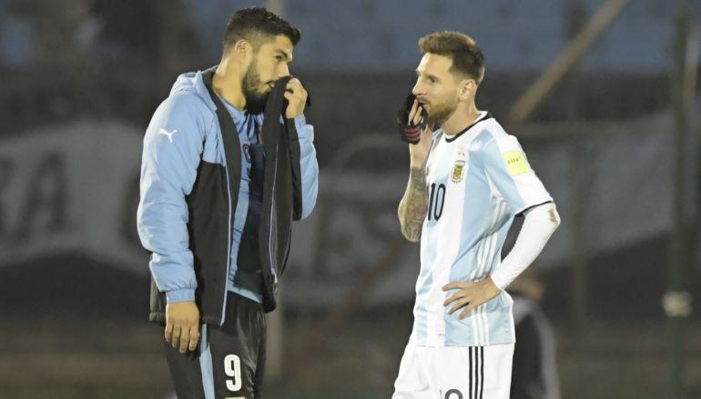 Los curiosos detalles en los zapatos que utilizó Messi ante Uruguay