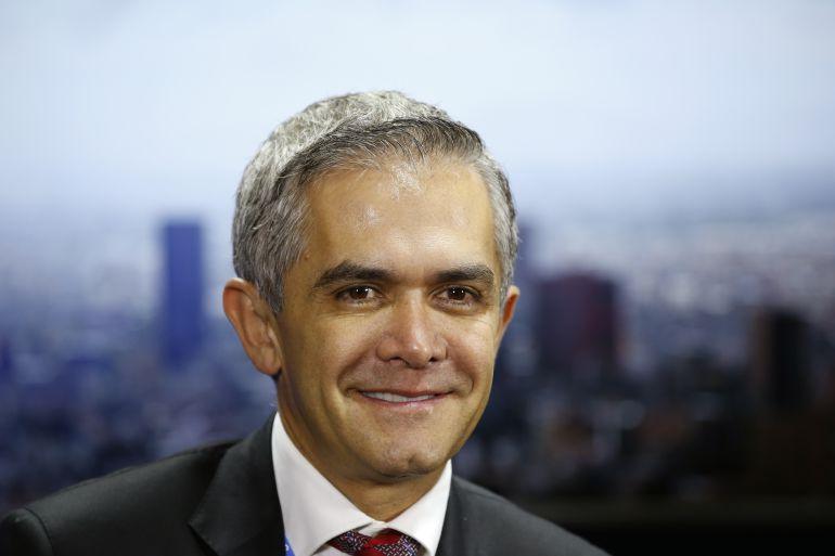 """""""Siempre he defendido al PRD"""", responde Mancera ante abucheos"""