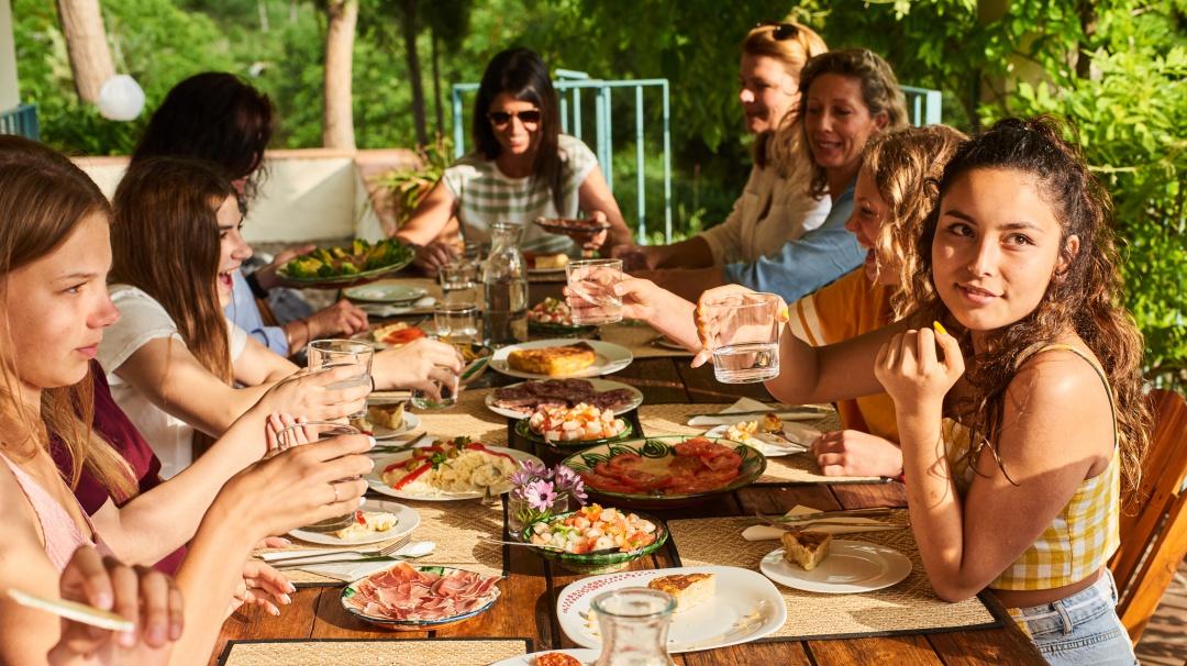 La comensalidad: ¿Por qué y para qué comer juntos?