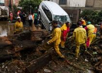Atiende gobierno capitalino a afectados por fuertes lluvias en la CDMX