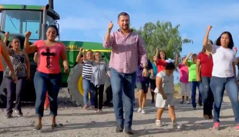 "Alcalde en Tamaulipas baila al ritmo de ""I Will Survive"""