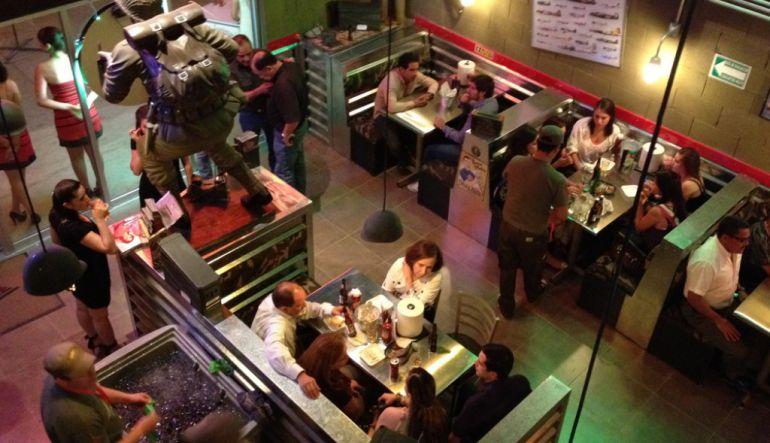 Acusa restaurante que clientes se fueron sin pagar en sismo